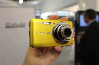 Casio EXILIM EX-Z8000 hands-on