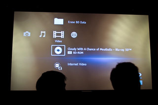 Sony VPL-VW90ES 3D home projector eyes-on