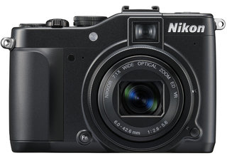 Flagship Nikon Coolpix P7000 sets sail