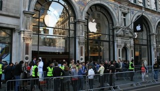 New iPod touch, nano and shuffle now on sale in Apple Store Regent Street