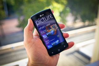 LG Optimus 7 hands on