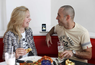 PizzaExpress adds iPod docks to seating