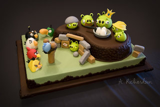 Angry Birds birthday cake - too good to eat