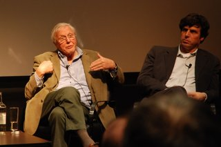 Sir David Attenborough: 3D for 'TV programs that really mean something'