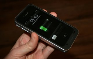 Mophie Juice Pack Air for iPhone 4 hands-on