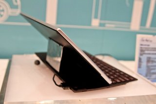 Asus Eee Pad Slider pictures and hands-on