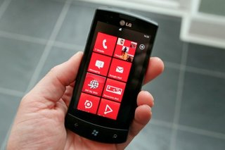 LG: Windows Phone 7 launch could have been better