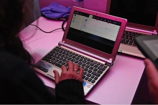 MeeGo for laptops hands-on