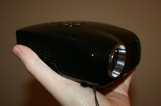 Pico Genie M100 Palm Projector XGA hands on
