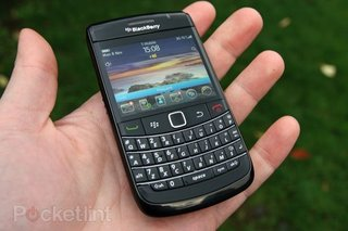BlackBerry no.1 in UK smartphone market 2010