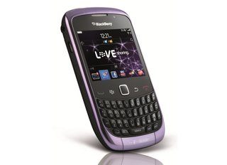 BlackBerry Curve 3G: The ultra-violet smartphone