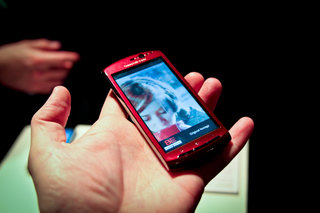 Sony Ericsson Xperia Neo finally confirmed, we go hands-on