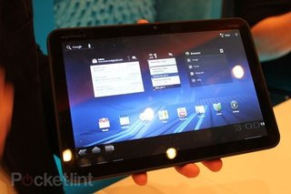 Motorola Xoom hits UK shops Q2 2011
