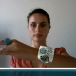 VIDEO: Augmented Reality jewellery mirror