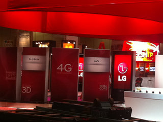LG G2x spied on CTIA show floor