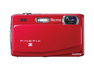 Fujifilm FinePix Z900 EXR: slim and glossy, but feature packed