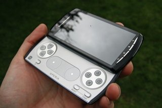 Sony Ericsson Xperia Play available on Three - pricey though