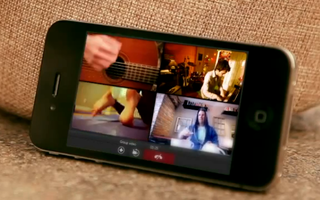 Fring flings in the world's first mobile group video calls