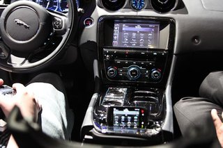 2012 Jaguar XJ to come with smartphone dock