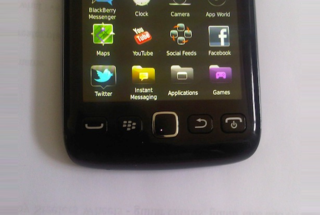 BlackBerry Touch 9680 snapped in the wild