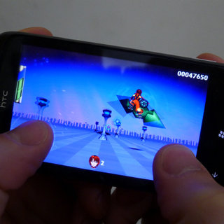 APP OF THE DAY: Gridrunner Girl review (WP7)
