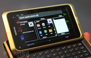 Nokia shares plummet despite WP7 themed future