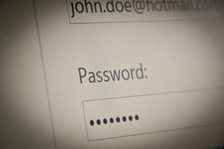 Hotmail says bye to silly passwords