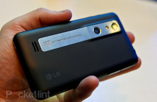 LG Optimus 3D lands on Three