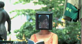 VIDEO: iPad head girl