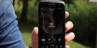 VIDEO: Vodafone sneak peek at BlackBerry Torch 9860