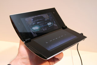 Sony Tablet P pictures and hands-on