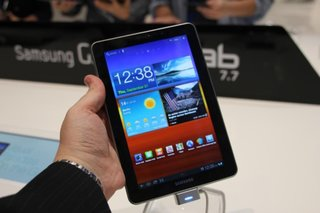 Samsung Galaxy Tab 7.7 pictures and hands-on