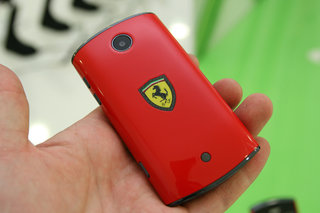 Acer Liquid Mini Ferrari Edition for the true racing fan