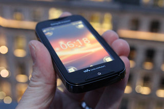 Sony Ericsson Mix Walkman pictures and hands-on