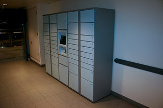 Amazon locker invades UK shopping centre