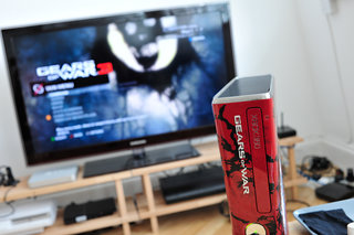 Xbox 360 limited edition Gears of War 3 pictures and hands-on