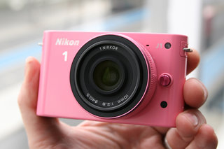 Nikon 1 J1 pictures and hands-on