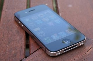 Forget iPhone 5, eBay expects huge increase in iPhone 4 sales