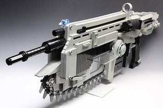 VIDEO: Gears of War 3 Lancer built entirely out of Lego