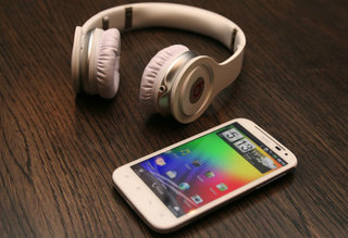 HTC Sensation XL: 4.7-inch monster Android phone with Beats