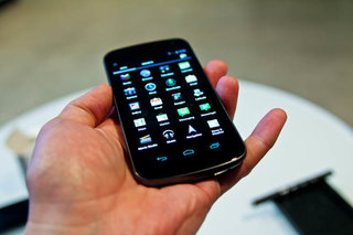 Samsung Galaxy Nexus pictures and hands-on