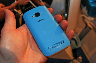 nokia lumia 710 pictures and hands on image 19