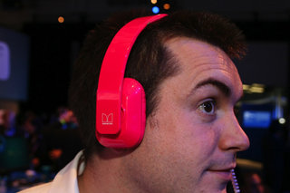 Nokia Purity Monster headphones pictures and ears-on