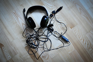 Sennheiser X320 gaming headset pictures and hands-on