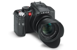 Leica V-Lux 3 superzooms in for the new year