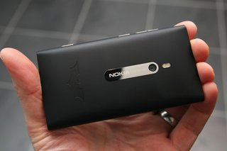 nokia lumia 800 batman edition pictures and hands on image 8