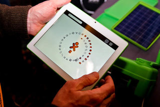 OLPC XO-3 tablet pictures and hands-on