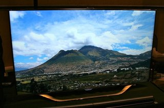 Samsung 55ES8000 LED TV pictures and hands-on
