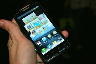 Motorola Motoluxe pictures and hands-on