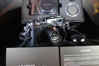 Fujifilm X100 Black pictures and hands-on